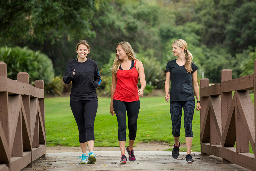 This article contains hints for how to stick to an exercise routine.